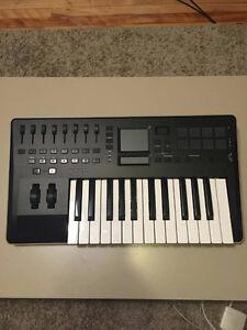 Korg Taktile 25 MIDI controller (Like New)