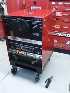 *** Lincoln Idealarc 250 AC/DC Welder - 230 Volts Single Phase