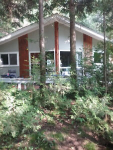 Little cottage for rent in Point Clark
