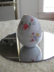 ADORABLE OLD VINTAGE MINIATURE GERMAN CHINA TOOTH-PICK HOLDER