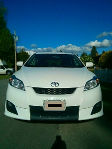 Low km Toyota Matrix XR - local one owner!
