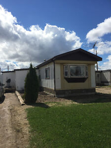 A great family mobile home for sale in Caronport
