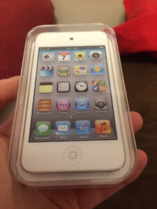 iPod Touch 8GB 4th Generation Never Opened