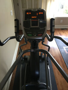 Exerciseur elliptique AFG 18.1 AXT / AFG 18.1 Elliptical Trainer