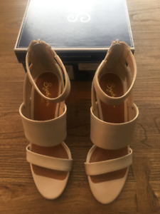 Seychelles Suave Off White Leather Wedges Size 6.5