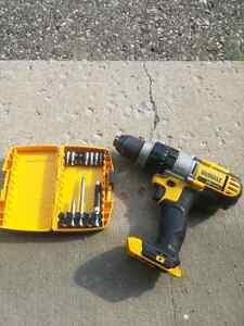 Dewalt 20v max heavy duty drill