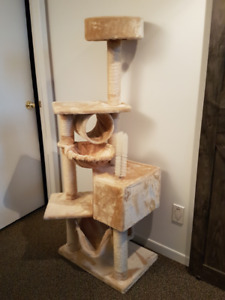 Arbre à chat * Tree House for Cats