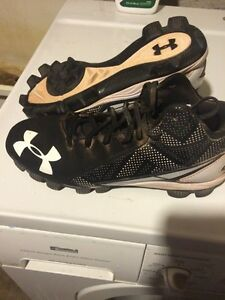 Men's Under Armour Ball Cleats 7.5