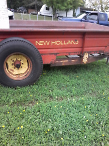New Holland  spreader works great