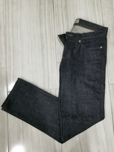 Naked and Famous Weird Guy Fit sz 32