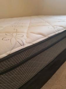 Queen size mattress set