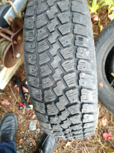 215/70R 15 winter tires (2)