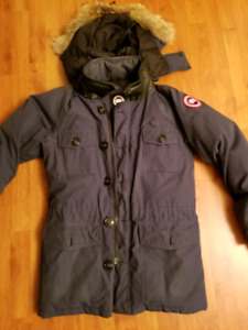 Canada Goose Banff Small Navy Blue