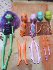 MONSTER HIGH CREATE A MONSTER LAB W/ DOLLS CHRISTMAS West Island Greater Montréal image 5