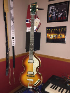 Bass/Basse,Guitare/Guitar Hofner CT500/1 Violin new never Used