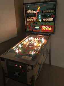 Showtime PINBALL was produced by Chicago Coin Machine Co 1974. Kitchener / Waterloo Kitchener Area image 1