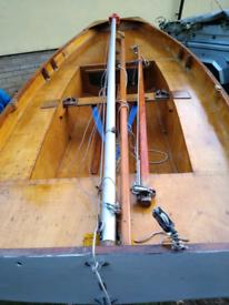 Mirror sailing dinghy boat