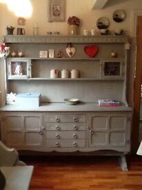 Painted oak kitchen dresser