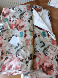Curtains velvet 54 x 90 inch 2 x cushions