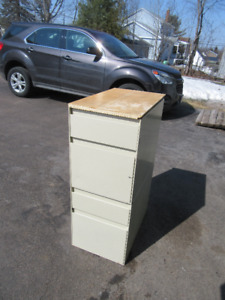 4 Drawer metal cabinet ( great for a work shop ) $15