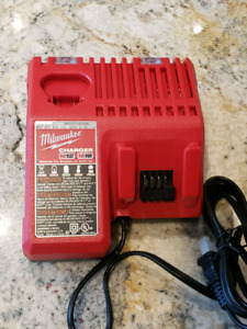 Milwaukee m18/m12 charger