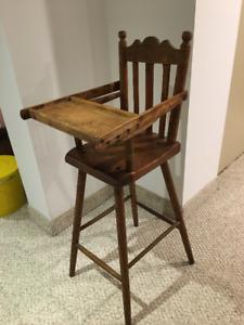Chaise haute antique