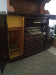 Two Beautiful Antique Radios for sale!