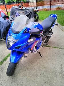SUZUKI GSX650F 2008 GREAT BEGINER BIKE WITH ONLY 9360 KM ON IT Windsor Region Ontario image 6