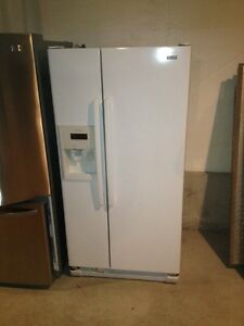 3 year old kenmore fridge side by side Stratford Kitchener Area image 1
