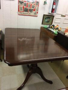 Gibbard Legacy Dinning Table