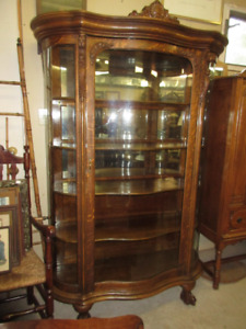 Outstanding Oak Antique (c1900) Display Cabinet-Great Condition!