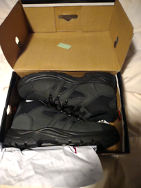 Black rock steel toe size 12 boots brand new boxed