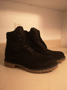 Timberland boots 6inch. Size 9.5