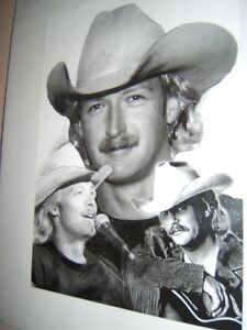 AMAZING PICTURE OF ALAN JACKSON Belleville Belleville Area image 1