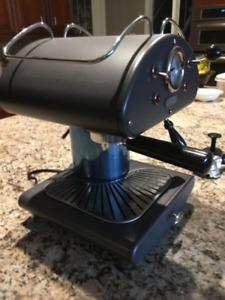 Delonghi Coffee/Expresso and Cappuccino Maker