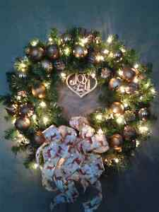 NEW LARGE CHRISTMAS WREATH WITH WARM LIGHTS