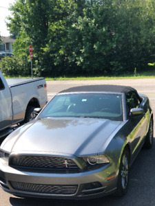 Mustang Convertible  2014 a vendre