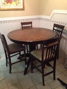 Dining room table and chairs $200 OBO Edmonton Edmonton Area image 1