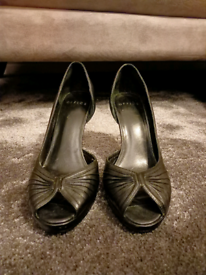 Ladies Office Shoes Size 37