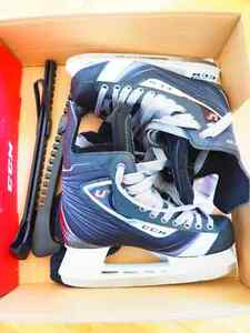 Patins de hockey CCM taille 7,5 (= taille soulier 8,5) - neuf
