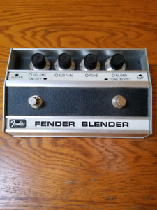 Fender Blender Guitar Distortion/Fuzz Pedal Reissue