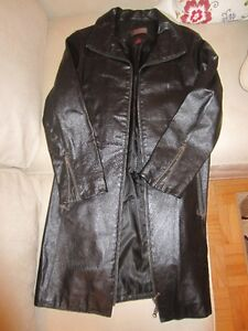 Danier Black Leather Coat - Women's Small