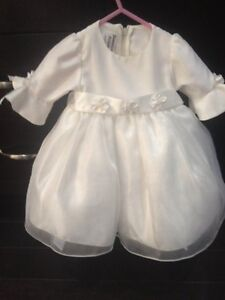 SPECIAL OCASSION/CHRISTENING GOWN 6 MONTHS