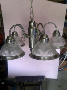 Ceiling Light with 5 bulbs.  FREE......!