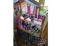 Dolls house &monster high school