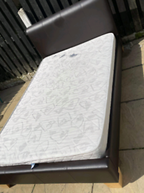 Small double bed + mattress