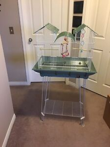 Large Prevue Hendrix Clean Life Triple Roof Cage for Small Birds