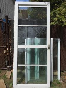 Porte moustiquaire en aluminium