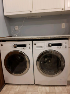 GE apartment size washer/dryer set