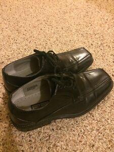 Boys dress shoes (5m)